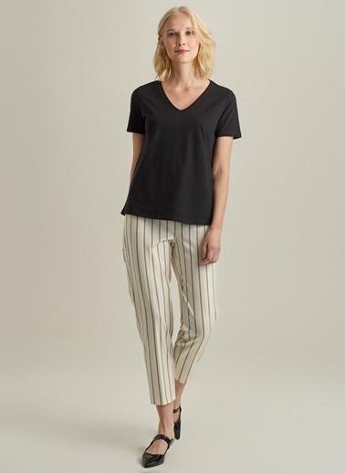 Ng Style V Yakalı Basic Tişört Siyah